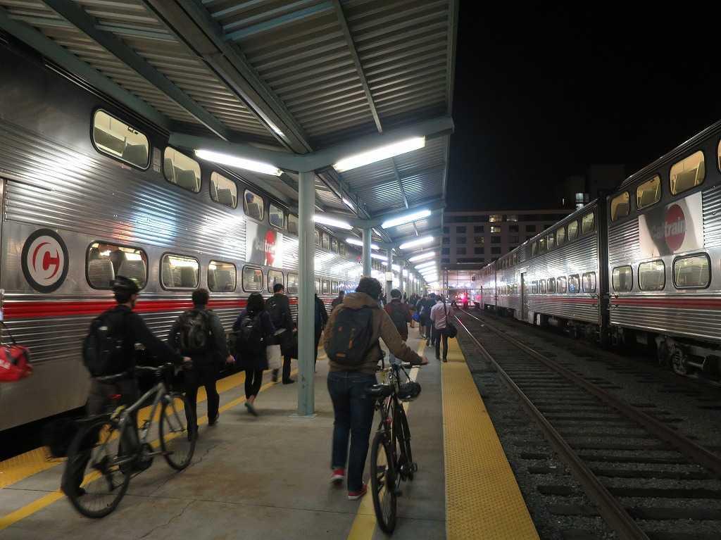 カルトレインの終着駅: サンフランシスコの「4番&キングストリート駅(4th & King Street Station)」