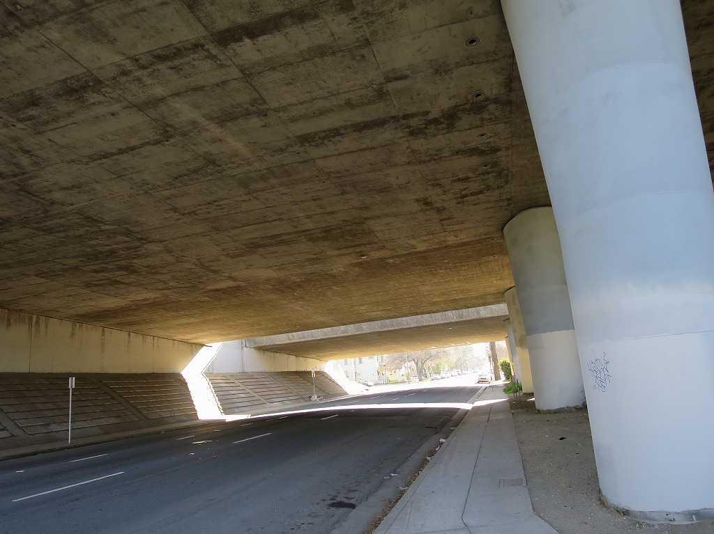 サンノゼ - 高架下