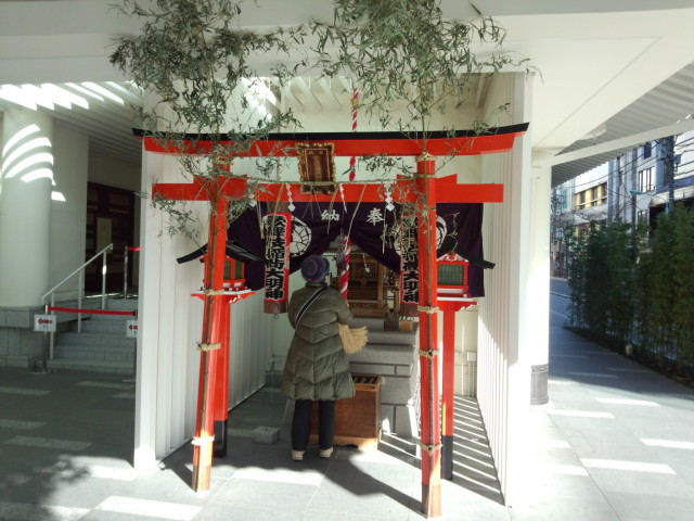新歌舞伎座の歌舞伎稲荷神社