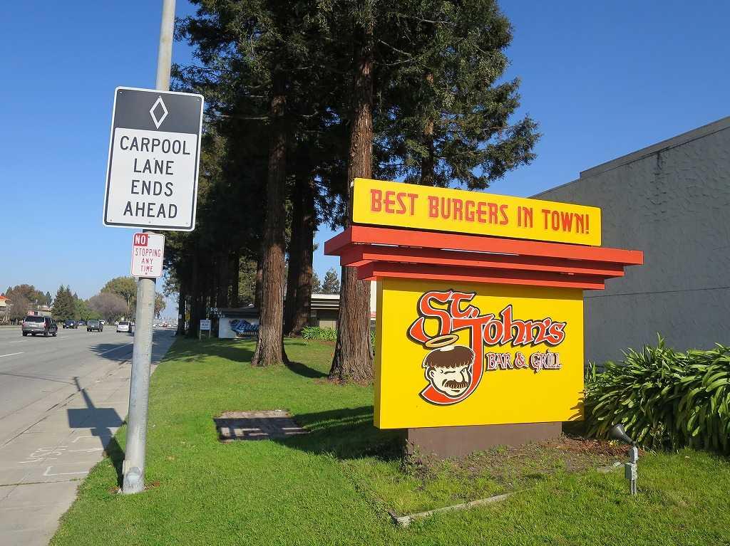 ローレンス - ハンバーガー屋さんの看板