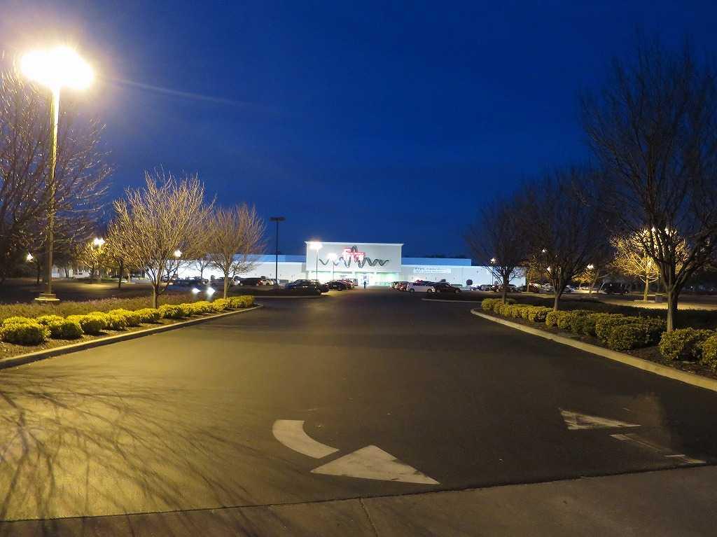 フライズ・サニーベール店の駐車場