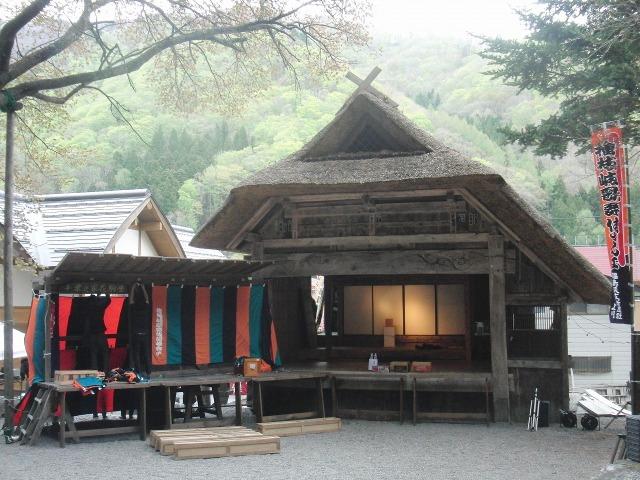 奉納歌舞伎「檜枝岐歌舞伎」の舞台 檜枝岐の舞台