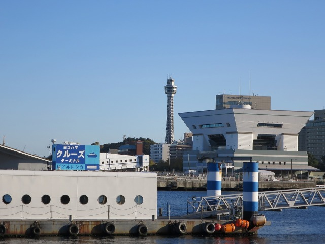 横浜マリンタワー(YOKOHAMA MARINE TOWER)
