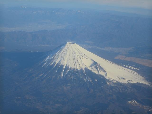左右対称の美しい形の富士山