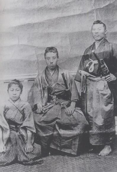 中央:高杉晋作 右:伊藤博文(俊輔)