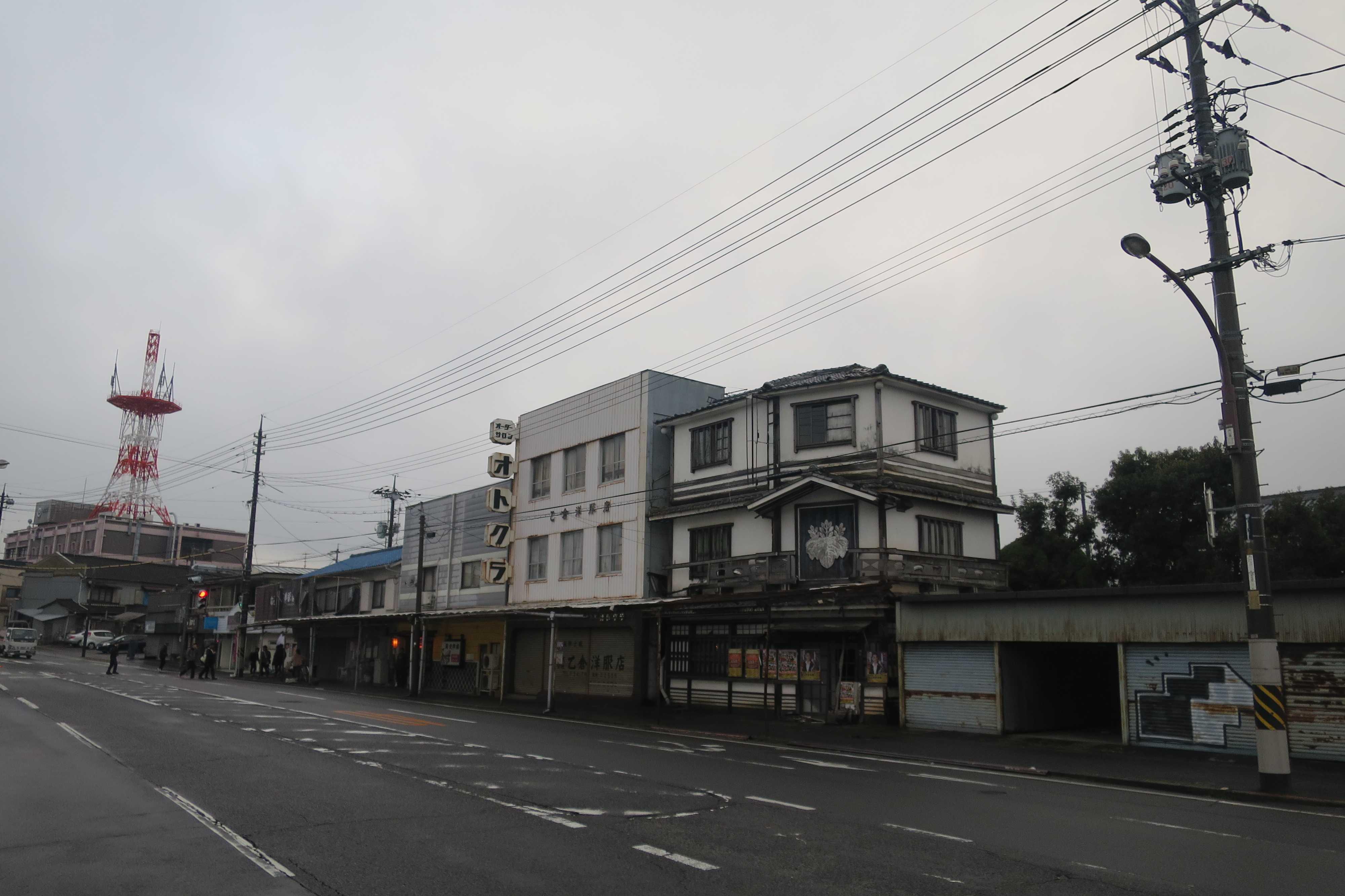 西大寺・観音院通りの古い建物