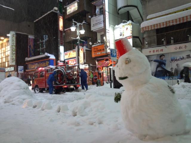 雪だるまと消防車