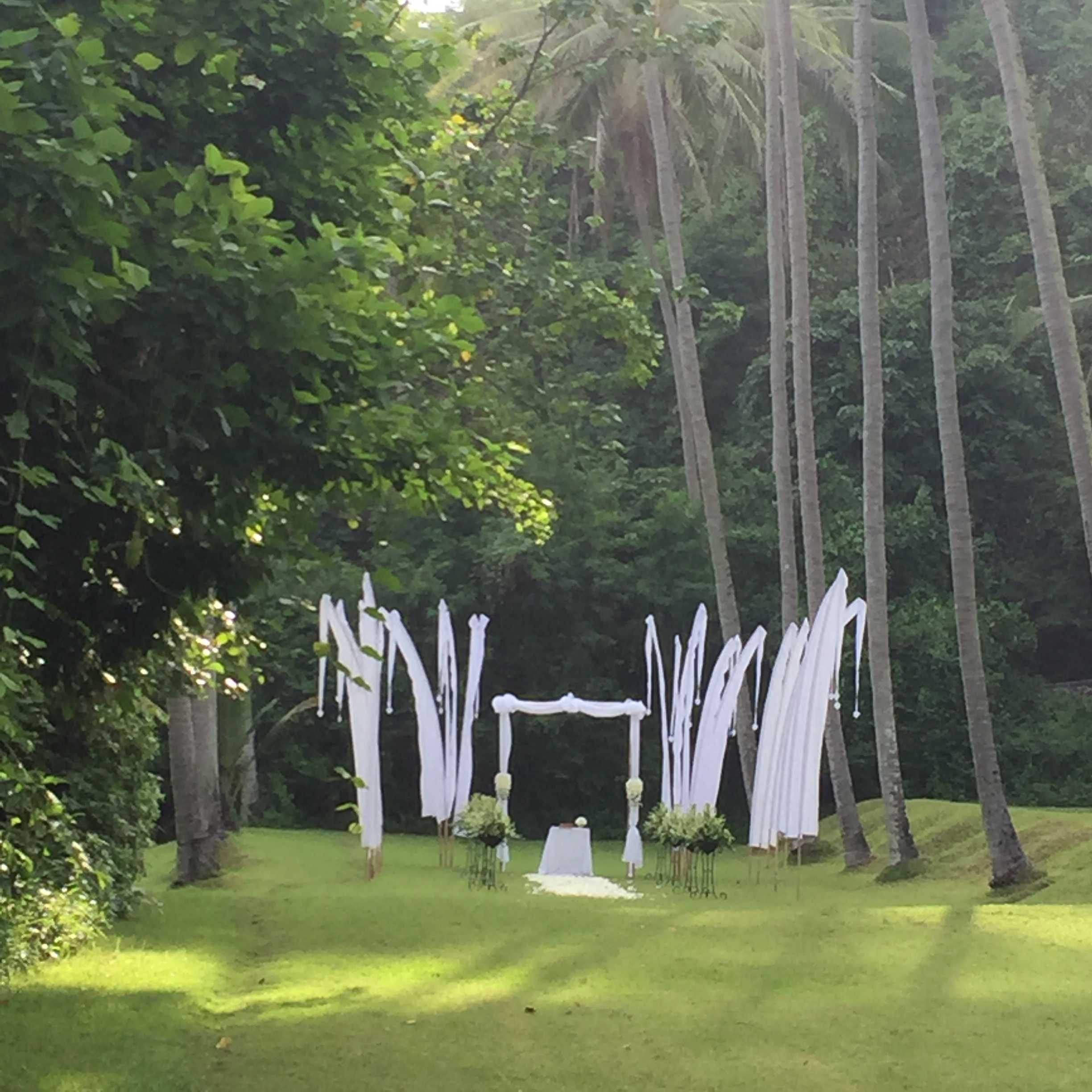 amankila resort wedding by manis wedding Bali